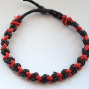 must-punane käepael